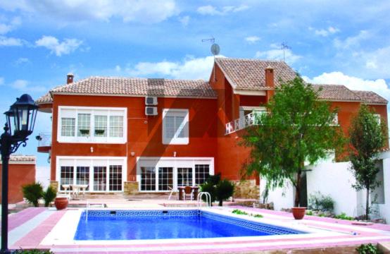 Stor villa LM37CBS1