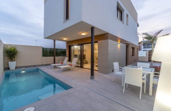 Villa in San Pedro del Pinatar 13082-010