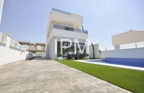 Villa in Pilar de la Horadada 13104-013