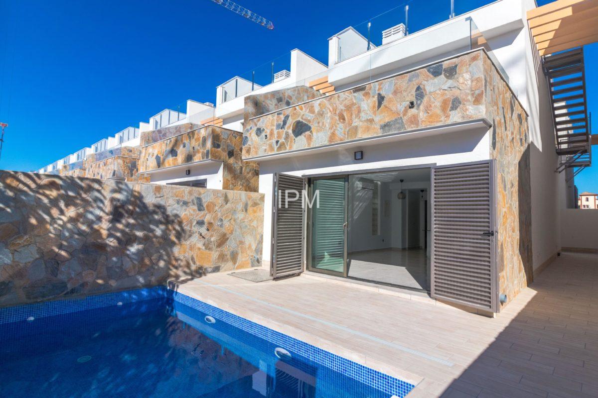Nice villas in Los Alcazares 13098-030