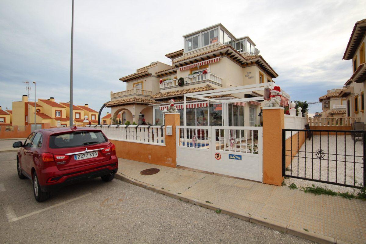 Casa adosada en Cabo Roig LM104