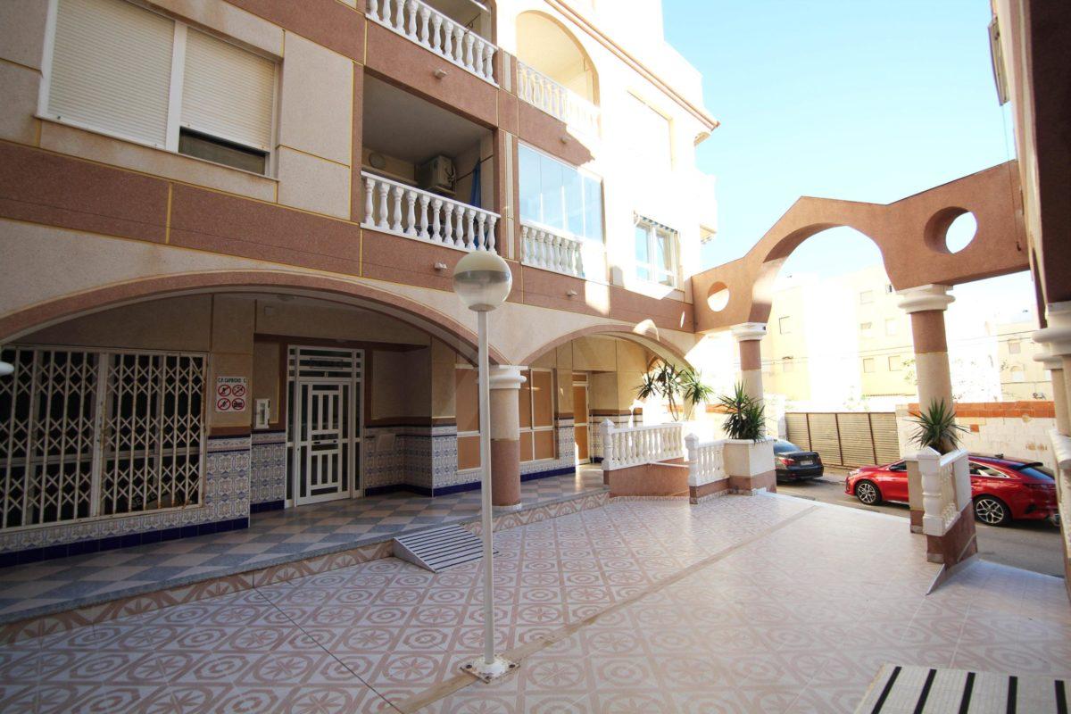 Apartment in La Mata LM108